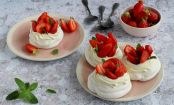 Mini pavlovas de fresa con solo 5 ingredientes