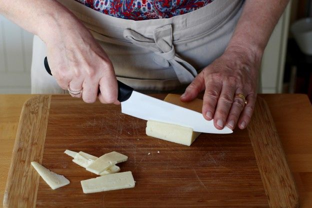 4. Cortamos el queso