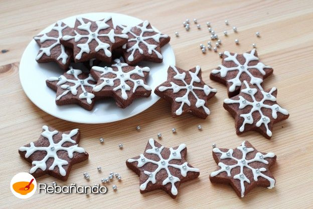 Galletas decoradas como copos de nieve