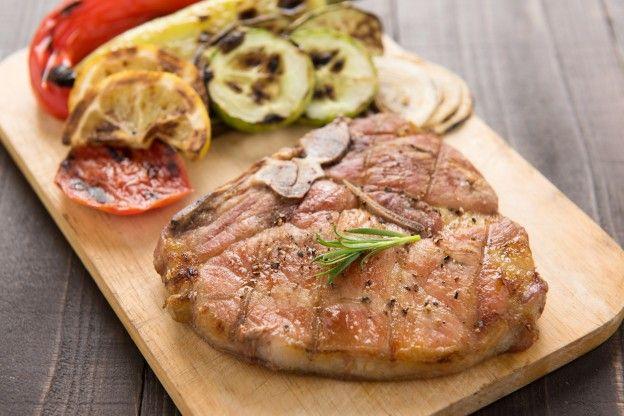Chuleta de cerdo y verduras