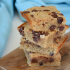 Blondies de banana con chips de chocolate