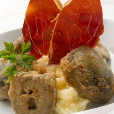 Alcachofas Rebozadas Con Puré De Patata Y Jamón 325