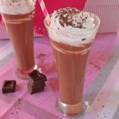 Chocolate caliente supergoloso, con nata montada