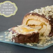 Rollo de lemon curd con cobertura de chocolate