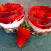 Cheesecake de fresas en vasitos - Paso 4
