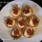 Tartaletas con mousse de queso, membrillo y nueces