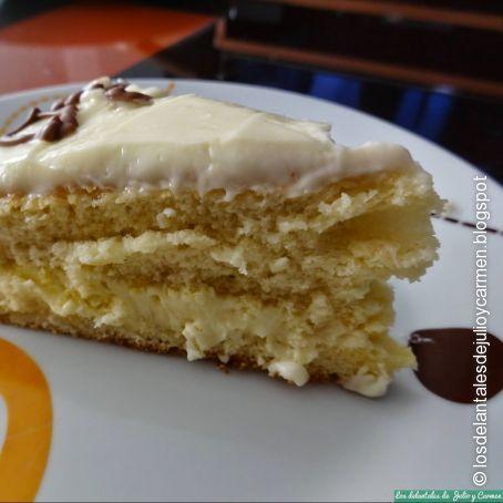 Tarta de crema de chocolate blanco y frosting de queso (1/5)