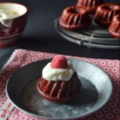 MINI BUNDT CAKES RED VELVET