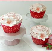 Cupcakes de chocolate blanco y cereza
