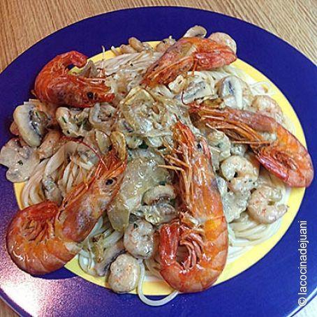 Espaguetis con gambas y champi ones - Espagueti con gambas y nata ...