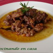 Carne de caza mayor guisada