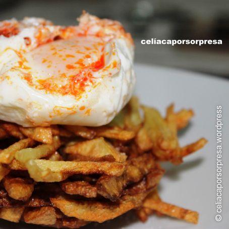 Huevos Poché Escalfados Con Sobrasada Sobre Nido De Patatas Paja 55