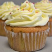 Cupcakes con buttercream de chocolate blanco