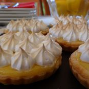 Lemon curd pie