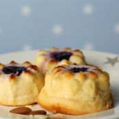 Mini cheesecakes con jalea de moras