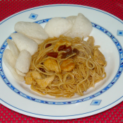Noodles con salsa indonesia