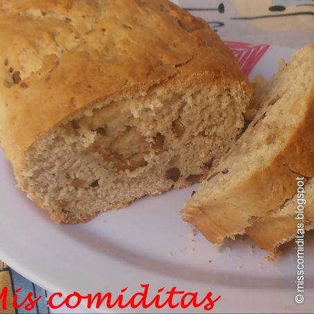 Pan con roquefort y nueces