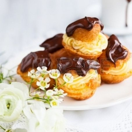 Profiteroles con chocolate