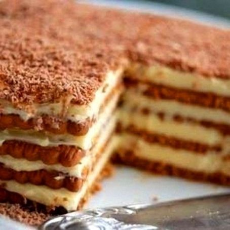 Tarta de galletas y avellana