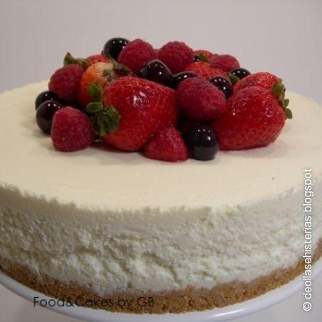 Tarta De Chocolate Blanco Queso Y Frutos Rojos En